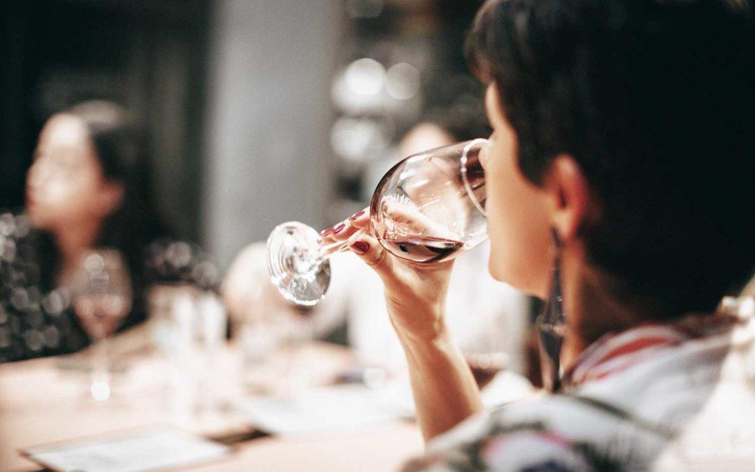 Elegant Châteauneuf-du-Pape förhöjer måltiden